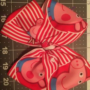 Accessories - Peppa Pig Bow.